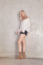 Sara Embroided Top White and Viker Leather Short Black (1)
